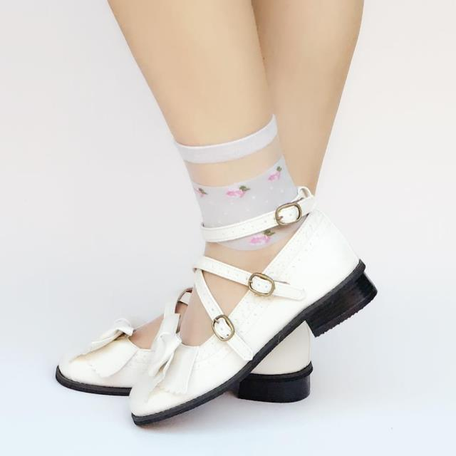 White low heel shoes